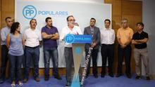 Los representantes del PP en el Valle del Pas han comparecido en rueda de prensa para exigir al Gobierno que retome el 'Mirador del Pas'.