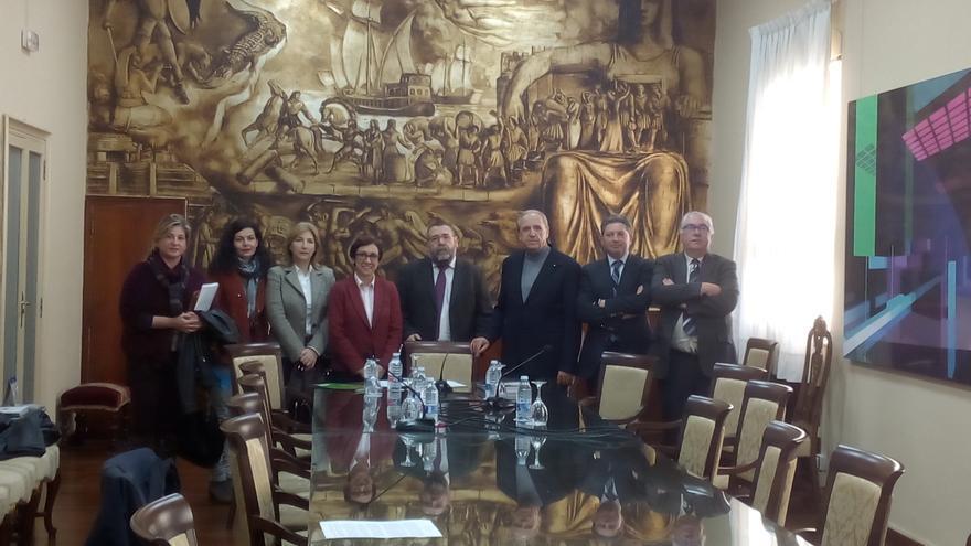 Los representantes de las entidades que agrupan la 'Mesa por la Educación en Libertad'