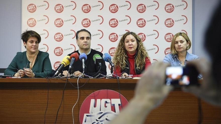 """UGT y CCOO piden prolongar el calendario de oposiciones docente hasta finales de año para evitar """"colapsos"""""""