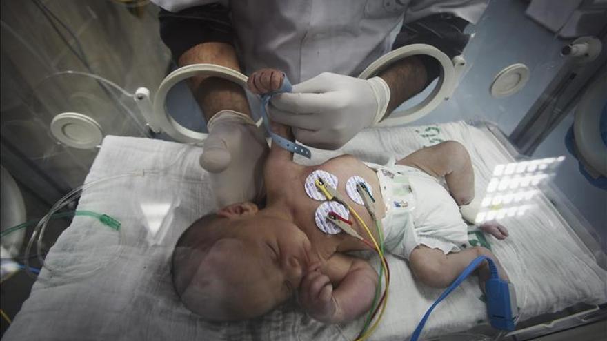 A través de un algoritmo se mantiene estable la temperatura de los bebés en las incubadoras