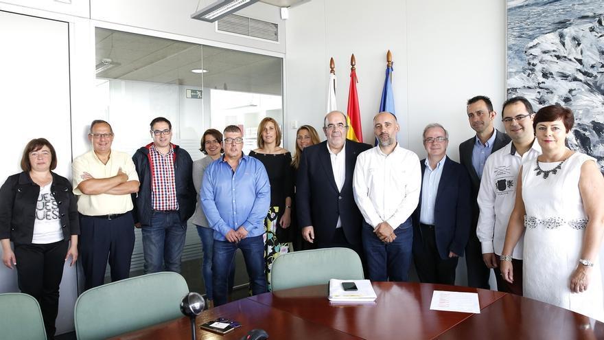 """Oria destaca el """"excelente momento"""" de la industria agroalimentaria en Cantabria"""