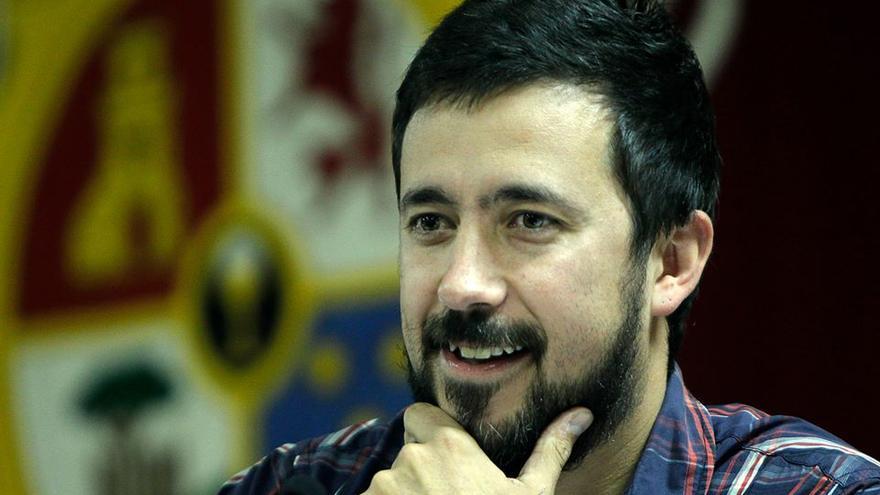 Antón Gómez-Reino, Tone