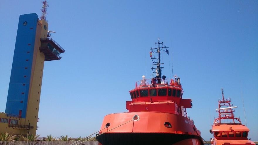 Rescatados 22 magrebíes en una embarcación neumática cerca de Cabo de Gata