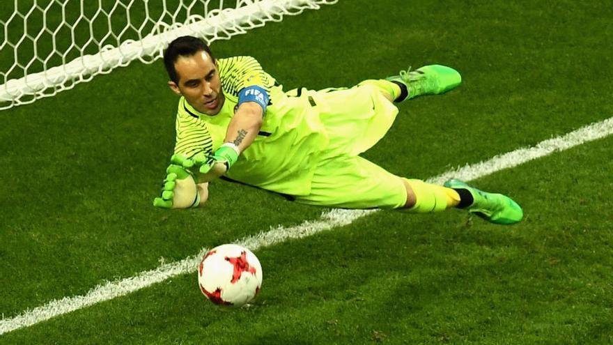 Claudio Bravo, héroe de los penaltis en el Portugal-Chile