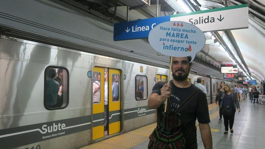 """Una """"expedición al infierno"""" pone en la mira al metro de Buenos Aires"""