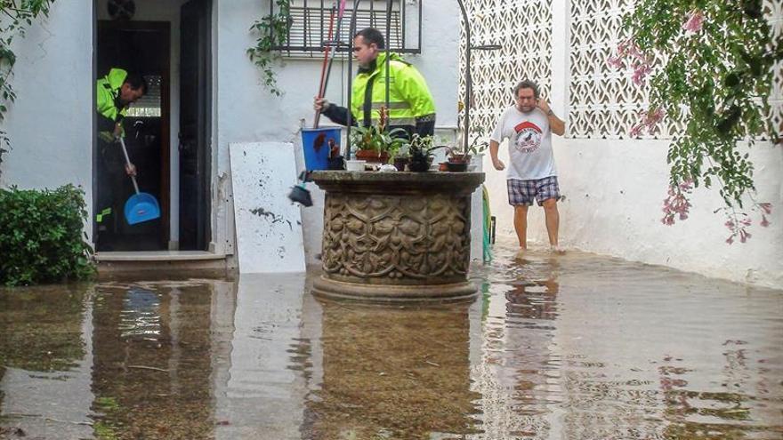 La temperatura se desploma y la lluvia causa numerosas incidencias en el sur