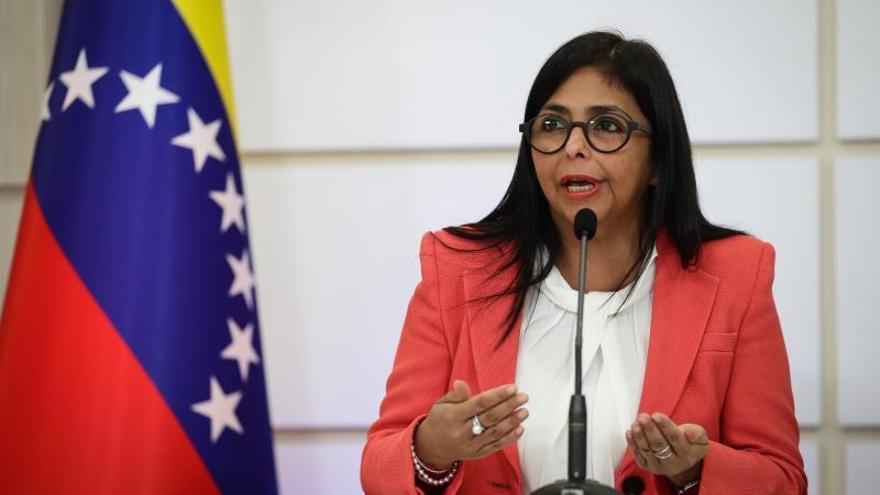 La vicepresidenta de Venezuela, Delcy Rodríguez, durante una rueda de prensa en Caracas (Venezuela).