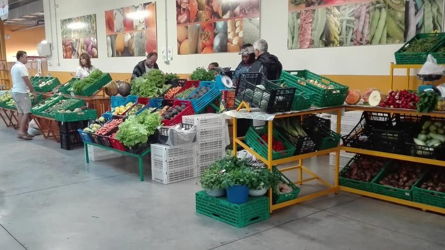 En la imagen, Agromercado de Breña Alta.