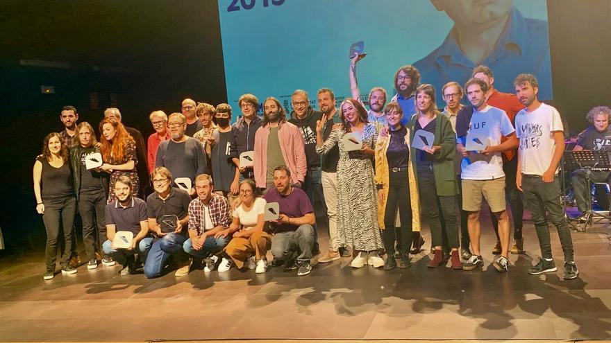 Premiats i premiades en la XIV edició dels Ovidi celebrada en la sala La Mutant.