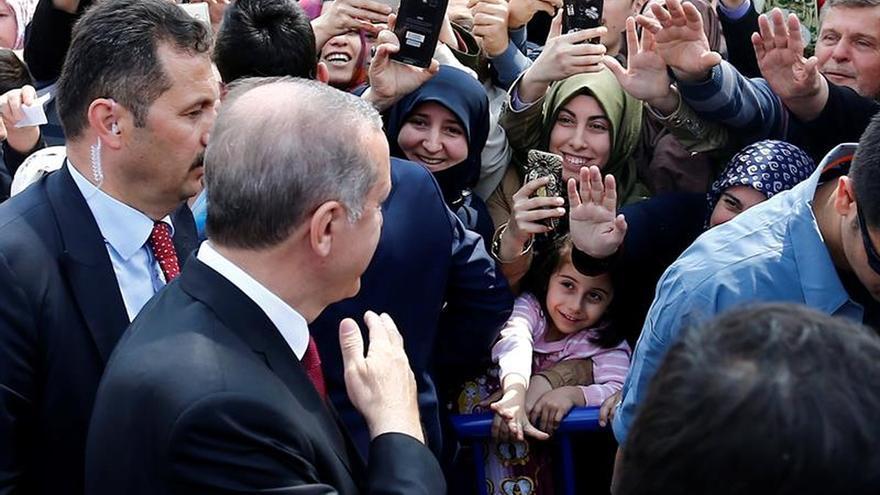 Erdogan dice que el apoyo de EEUU a los kurdos en Siria daña sus relaciones