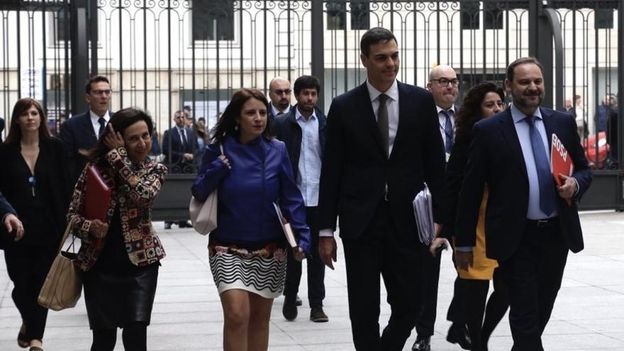 Los ministros Ábalos, Batet y Robles renunciarán al escaño para dedicarse en exclusiva al Gobierno