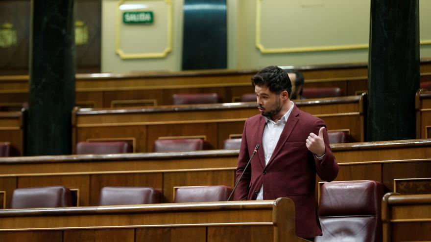 """El portavoz de ERC, Gabriel Rufián, durante su intervención en la sesión de control al Ejecutivo celebrada este miércoles en el Congreso, después de que el Consejo de Ministros aprobara este martes el llamado """"Plan de Transición hacia la nueva normalidad"""""""