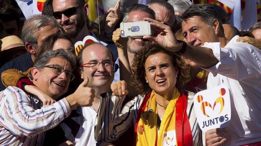 Xavier Garcia Albiol, Miquel Iceta, Dolors Montserrat y Enric Millo, en la manifestación por la unidad de España. EFE/Enric Fontcuberta