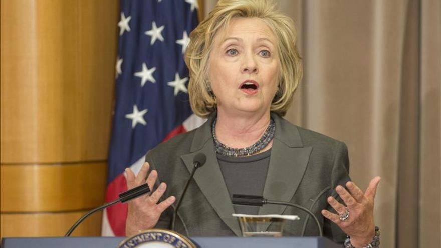 Hillary Clinton se reunió con posible rival demócrata Elizabeth Warren