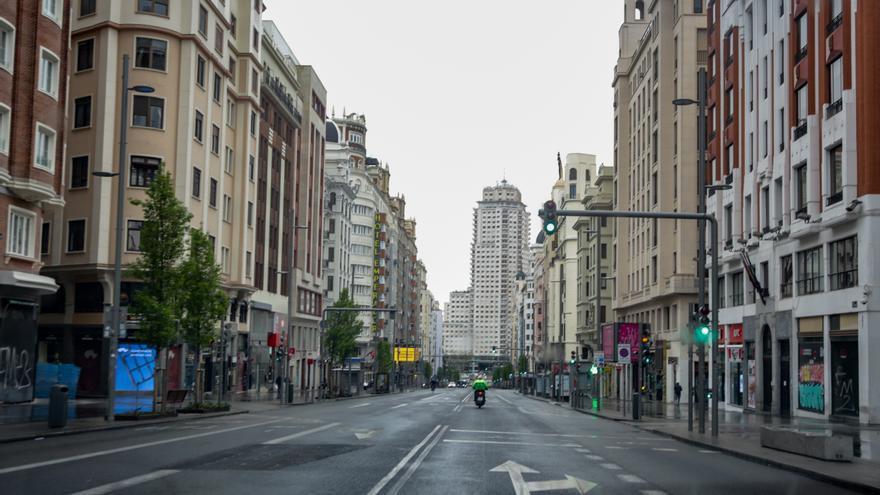 La Gran Vía madrileña desierta en marzo de 2020.