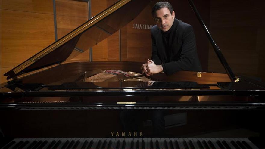 El fuego envuelve en llamas el nuevo CD del pianista valenciano Carles Marín