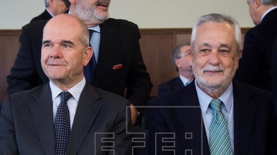 El exsecretario de Empleo nunca puso en duda la legalidad de las ayudas de los ERE