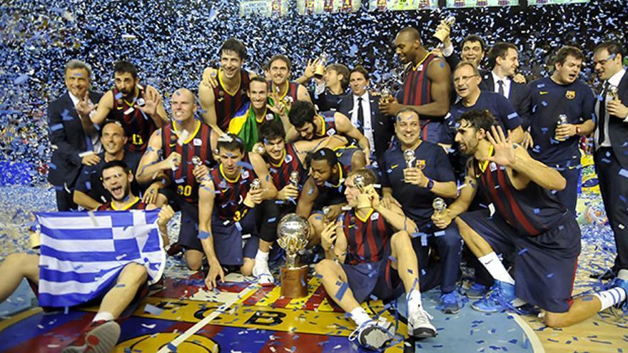 Los jugadores del Barcelona celebran el título de Liga ACB.