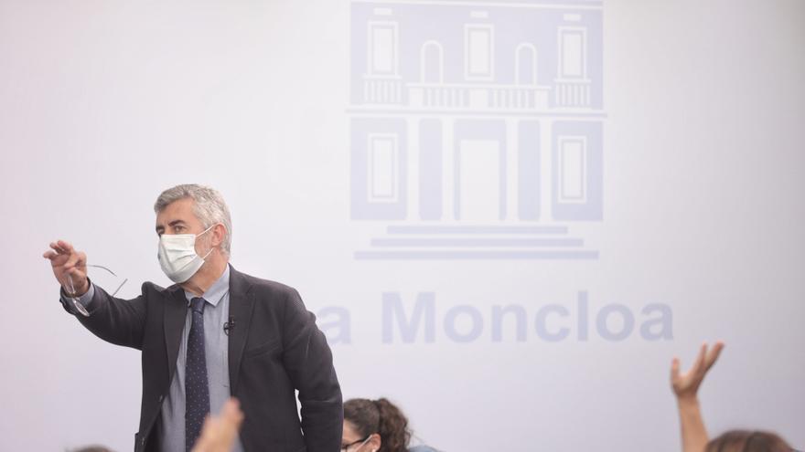 El secretario de Estado de Comunicación del Gobierno, Miguel Ángel Oliver, durante la rueda de prensa posterior al primer Consejo de Ministros tras la remodelación del Ejecutivo, a 13 de julio de 2021, en Madrid (España)