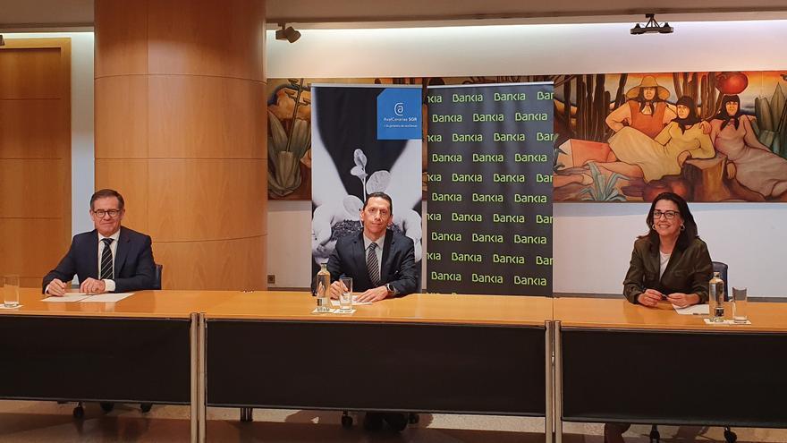 Bankia y AvalCanarias financiarán con 20 millones a pymes y autónomos canarias afectados por la COVID-19