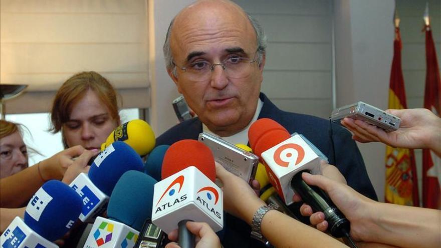 Un diputado del PP pide una convención para pedir perdón y sustituir a los sospechosos
