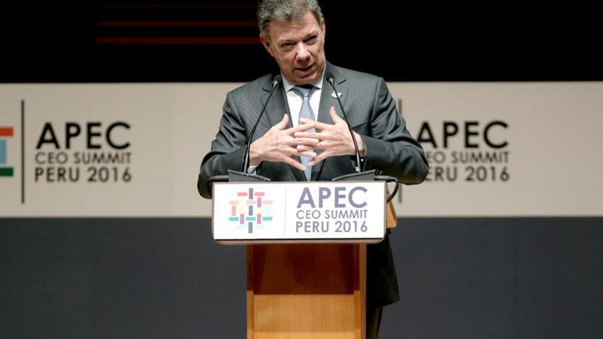 Santos reitera la urgencia de empezar las obras de desarrollo en las zonas de conflicto