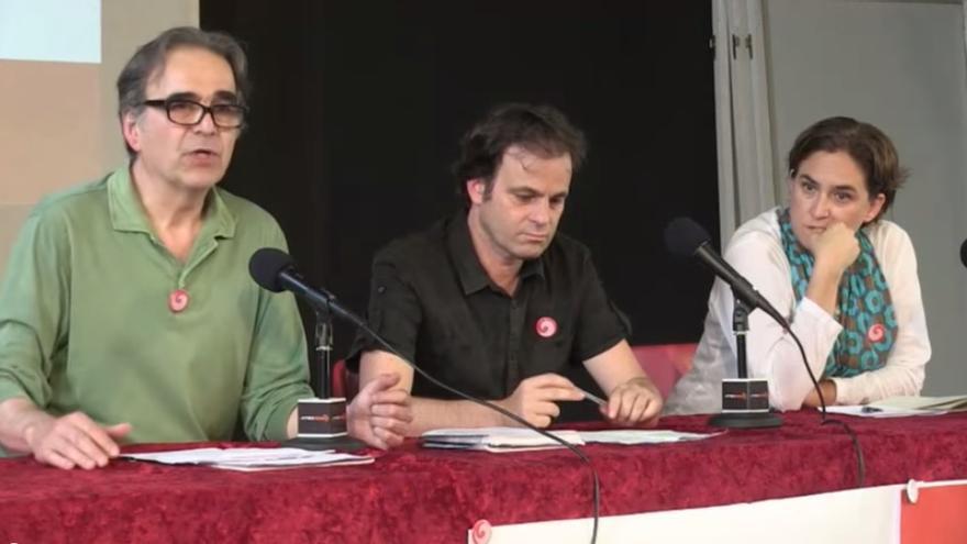 Joan Subirats junto a Jaume Asens y Ada Colau en la presentación del embrión de Barcelona en Comú