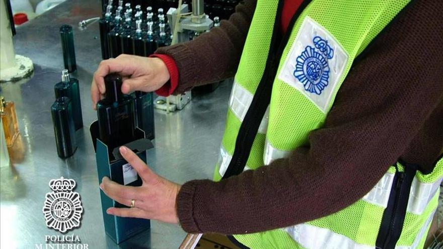 La falsificación de perfumes es un delito que siempre vuelve por Navidad