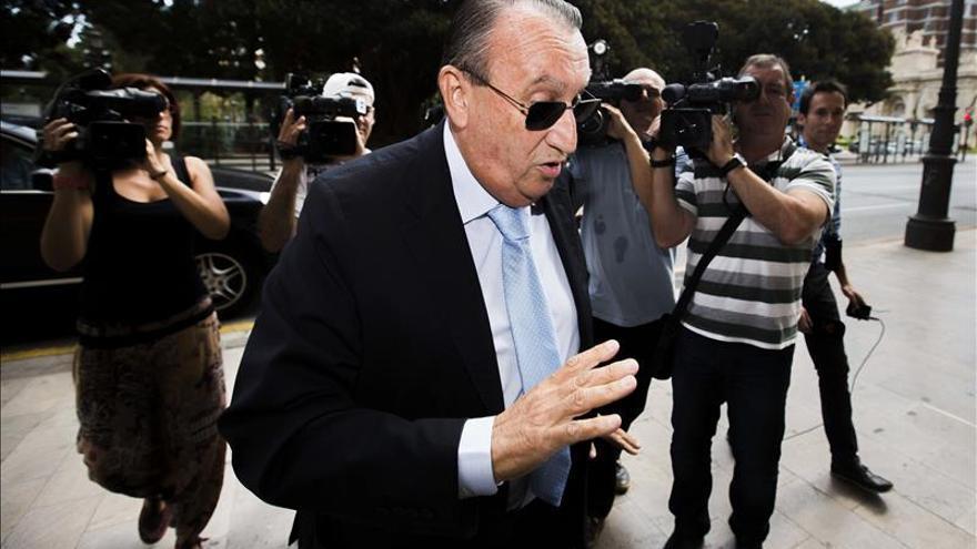 Carlos Fabra dice no saber quién pagaba ni decidía actos de campaña del PPCV