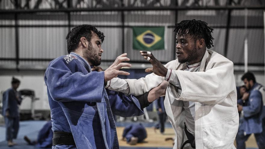 People Misenga, 24 años. Huyó de República Democrática del Congo y pidió asilo en Brasil. Se prepara para participar como judoca en el Equipo de Refugiados de los JJOO de Río2016 | FOTO: Acnur