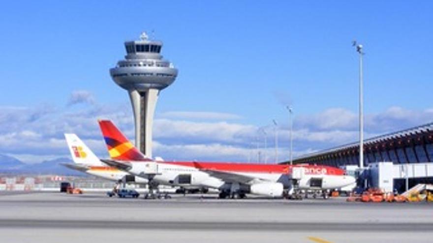 Avión de Avianca en aeropuerto
