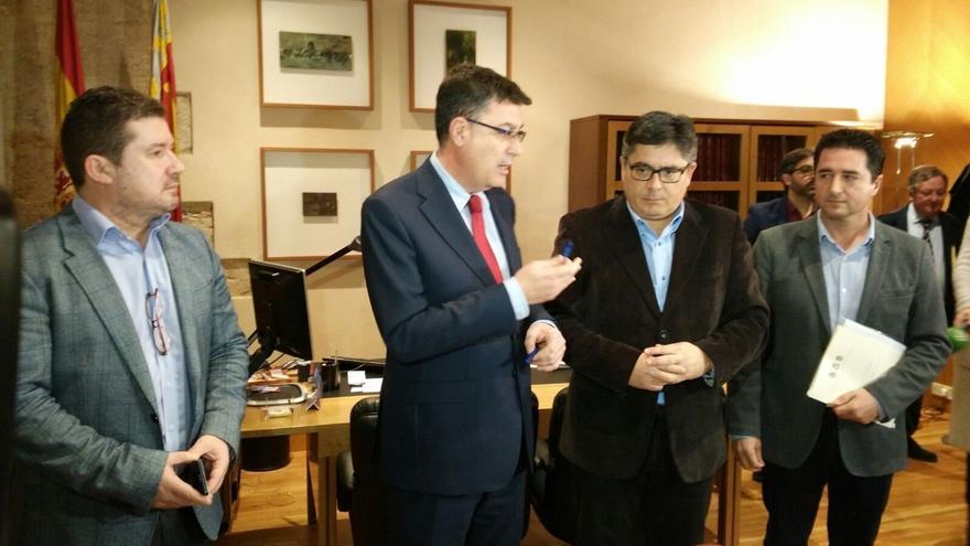 Barberá no asiste a las Corts para dar explicaciones y el Parlamento estudia las medidas a tomar