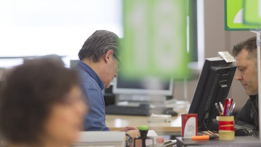 (AMP 2) Hacienda y sindicatos pactan un alza salarial para funcionarios de entre el 6,1% y hasta el 8,8%