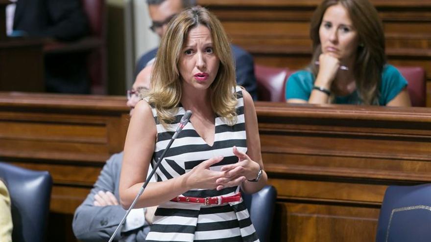 Rosa Dávila en el Parlamento de Canarias (EUROPA PRESS)