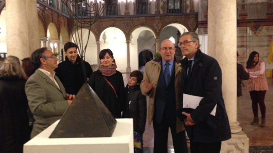 El delegado de Cultura de la Diputación de Córdoba, Antonio Pineda, anoche, en la inauguración.