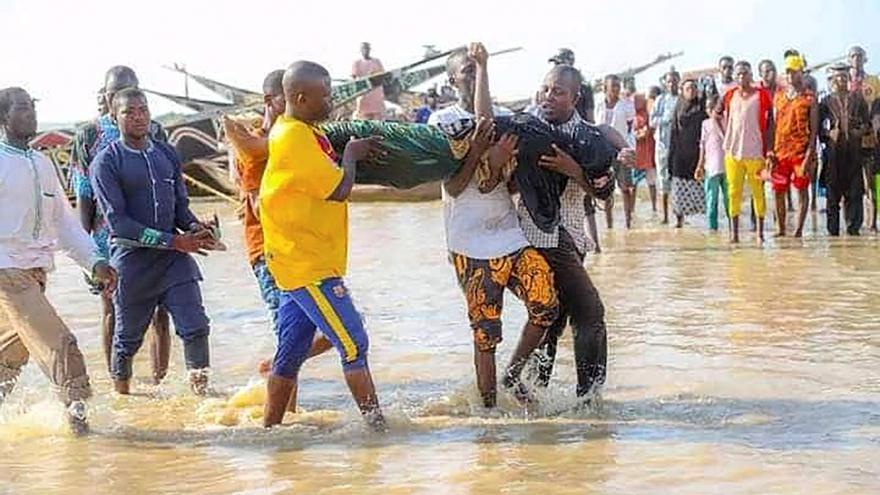 Aumentan a 81 los cadáveres hallados tras el naufragio de un barco en Nigeria