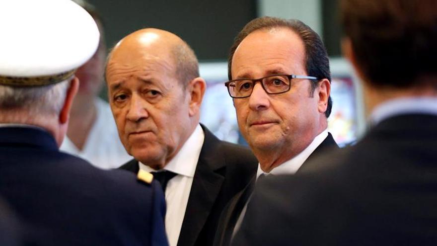 El ministro de Defensa apuesta por Valls si Hollande no aspira a reelección