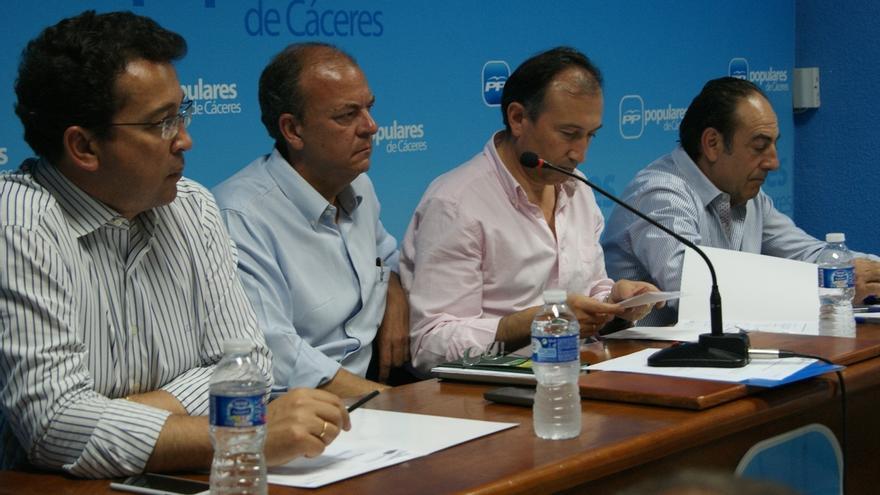 """Monago recalca que seguirá """"dando la cara"""" por el PP y por Extremadura"""