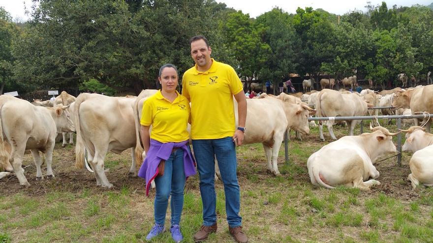El alcalde, Jonathan Felipe, y la concejal de Agricultura y Ganadería, Patricia Ayut.
