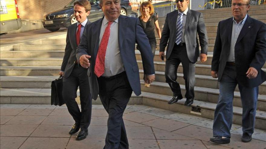 El alcalde de Granada confía en el archivo de su imputación y lo considera un montaje