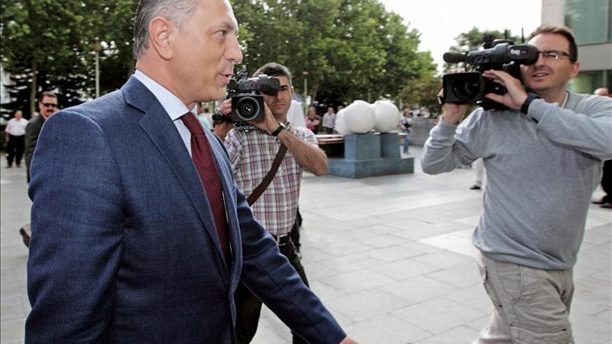 El juez procesa a expresidente de Emarsa por ocultar premio de la Lotería