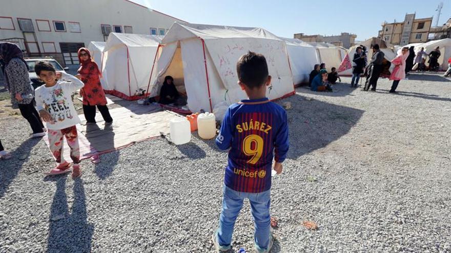 Los juegos alivian, pero no curan los traumas infantiles del seísmo en Irán