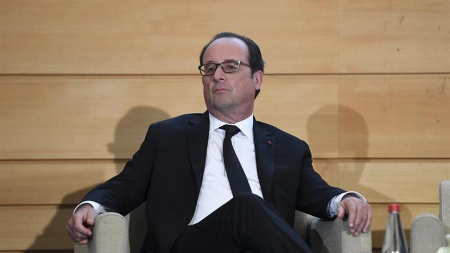 Francia revisa al alza su previsión de déficit en 2017 al 2,8 % del PIB
