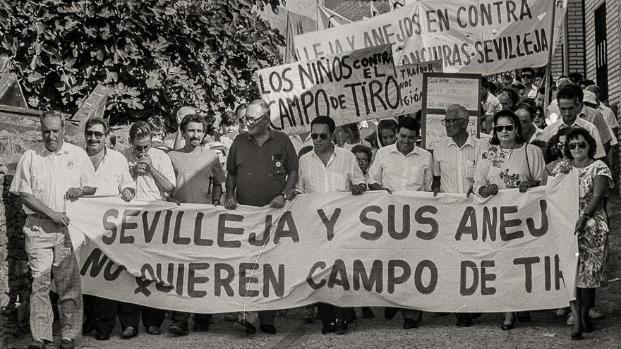 La celebración de un pueblo y la movilización que impidió un campo de tiro hace 30 años
