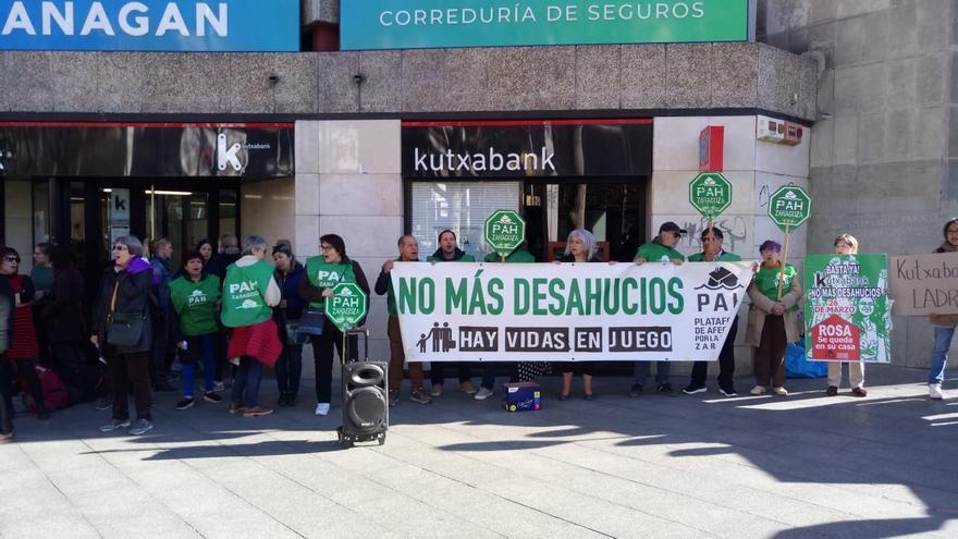 Concentración del jueves pasado (21 de octubre) a las puertas de Kutxabank