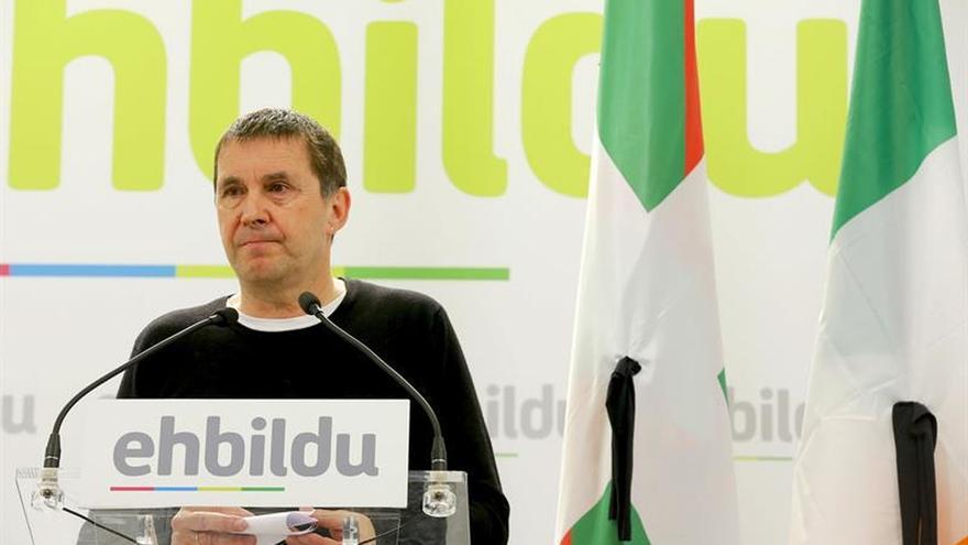 """Otegi dice que el Gobierno francés ha """"acreditado"""" que el desarme fue total"""