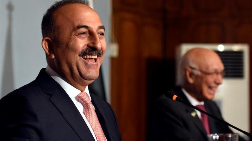 """Turquía pide en la ONU una estrategia """"urgente"""" frente a crisis de refugiados"""