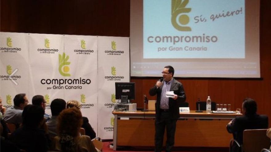 El médico Sergio Hernández en su presentación como número tres de Compromiso al Ayuntamiento de Las Palmas de Gran Canaria para las elecciones de 2011. (Fuente: Facebook de Unidos por Gran Canaria).