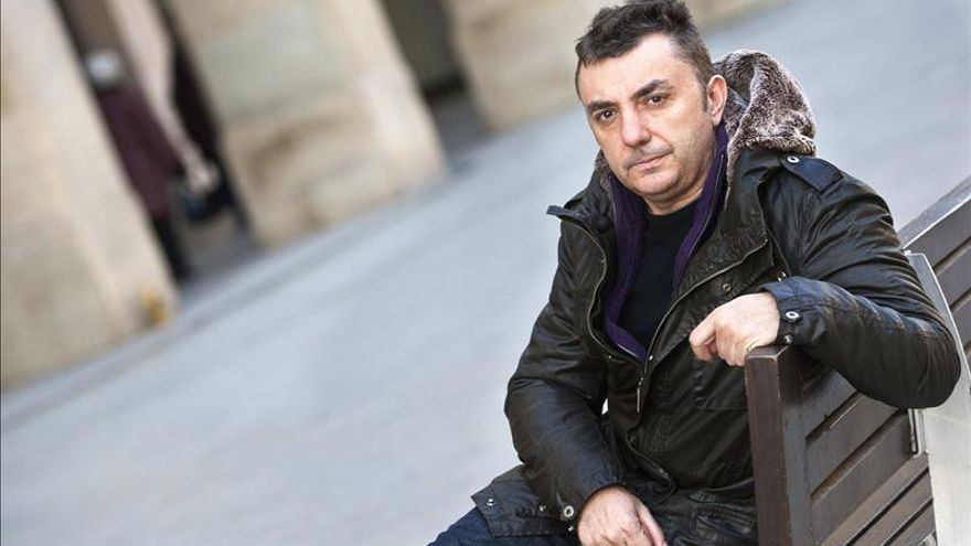 """El aragonés Manuel Vilas gana el Premio Generación del 27 con """"El hundimiento"""""""