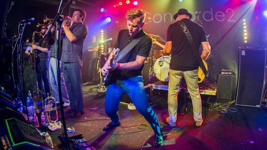 Stone Foundation en concierto.